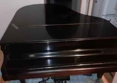 1. Kis helyen nagy zongora